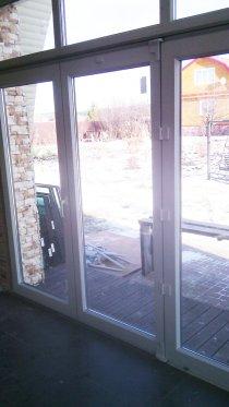 Алюминиевая дверь тёплая двухстворчатая